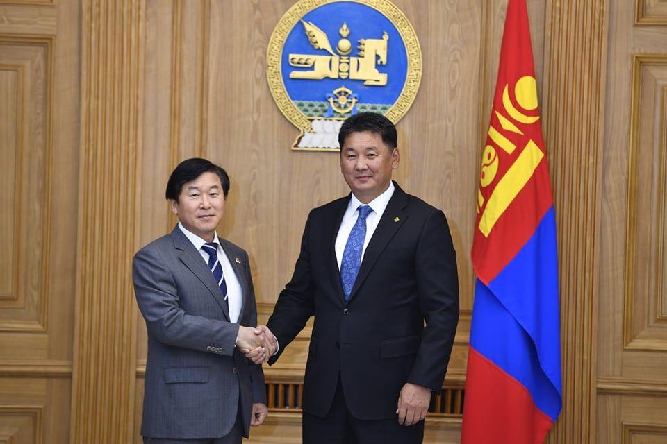 Монгол, БНСУ-ын иргэд харилцан визгүй зорчих талаар санал солилцов